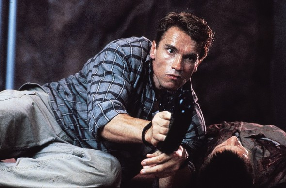 Arnold-Schwarzenegger-Douglas-Quaid-stars-in-Lionsgate-Home-Entertainments-Total-Recall-Mind-Bending-Edition-590x388