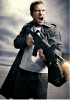 new-terminator-genisys-photos-with-yelling-and-shooting2