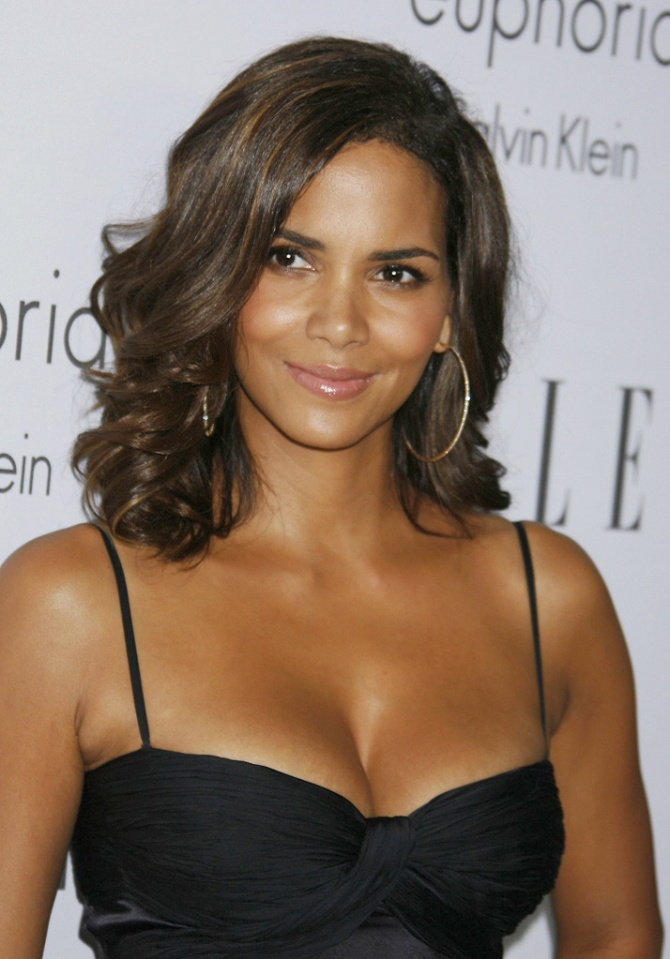 halle-berry-bra-size-wiki-hot-images