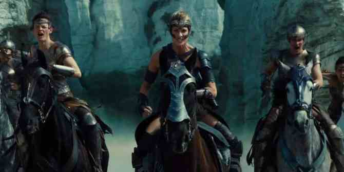 Robin-Wright-as-General-Antiope.jpg